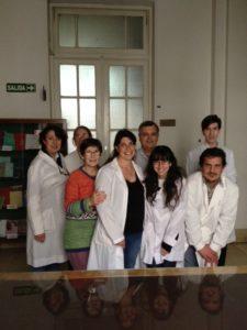 Atrás de izquierda a derecha: Nora GALASSI, Katia CANALEJO, Jorge H. RAMIREZ, Gustavo VERON. Adelante: Norma RIERA, Natalia MENITE, María Ailén NATALE, Pablo SCHIERLOH